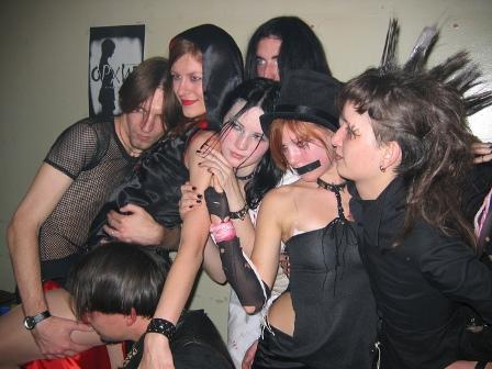школьницыи групповой секс