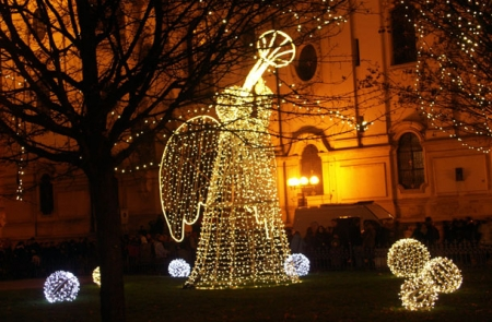 Христос родился - славим!